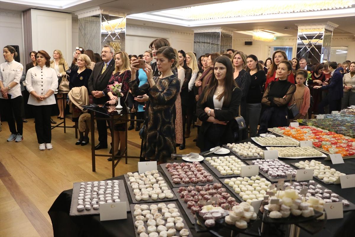 Arnavutluk'ta geleneksel Türk tatlıları tanıtıldı
