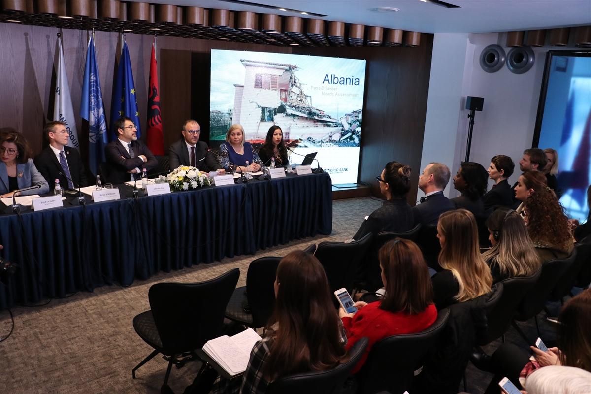 Arnavutluk'taki depremin neden olduğu zarar yaklaşık 1 milyar avro