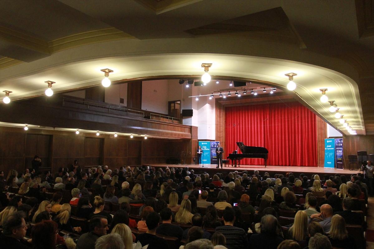 Türk Dünyası Opera Yıldızları Sırbistan'da konser verdi