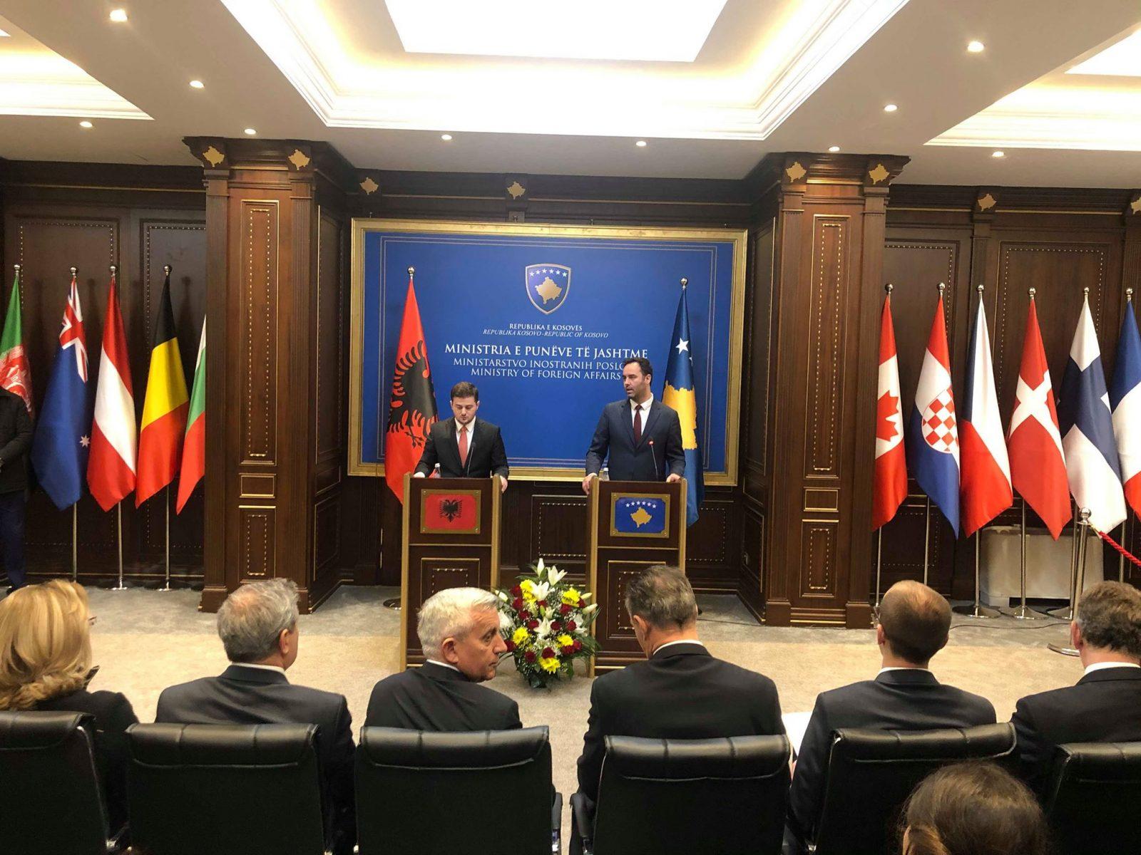 Arnavutluk Dışişleri Bakan Vekili Cakaj Kosova'da