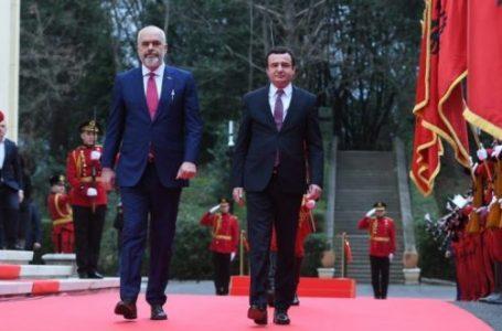 """""""Kosova-Arnavutluk arasındaki işbirliği yeni bir seviyeye ulaşacak"""""""