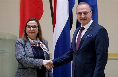 Bakan Pekcan, Hırvatistan Dışişleri ve AB İşleri Bakanı Radman ile görüştü