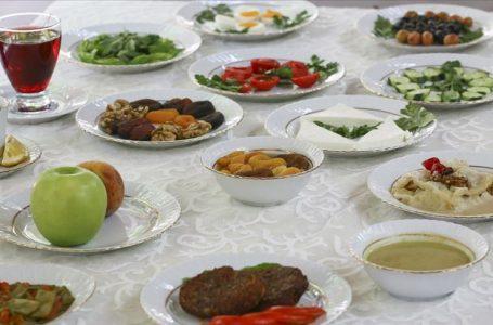 Ramazanda güçlü bir bağışıklık için 'bol sıvı ve protein tüketin' önerisi