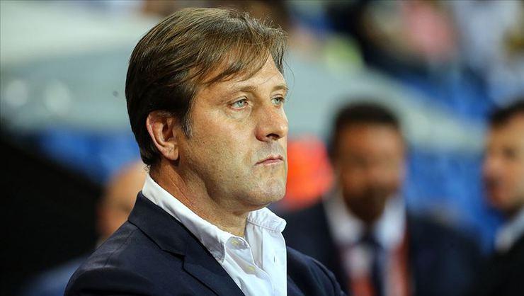 Olympiakos, teknik direktör Pedro Martins'in sözleşmesini uzattı