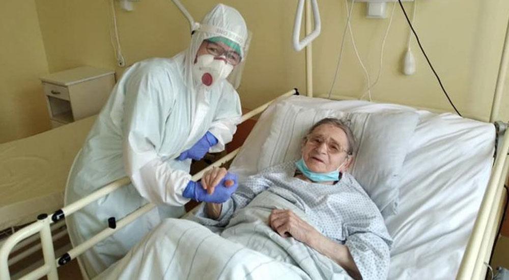 103 yaşında koronavirüsü yenmeyi başardı