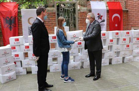YTB'den Arnavutluk'ta ihtiyaç sahiplerine ramazan yardımı