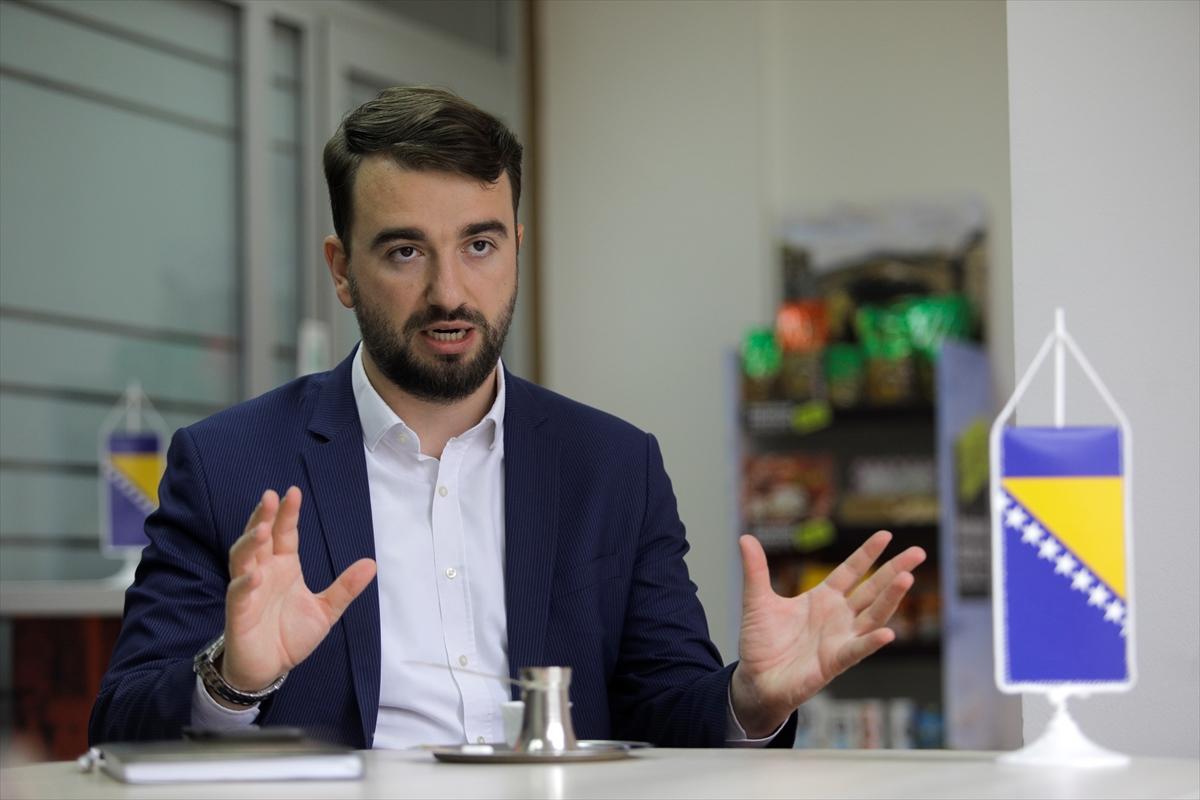 Üniversite okuduğu Türkiye'de edindiği tecrübeleri, ülkesi Bosna Hersek'in iş dünyasına aktarıyor