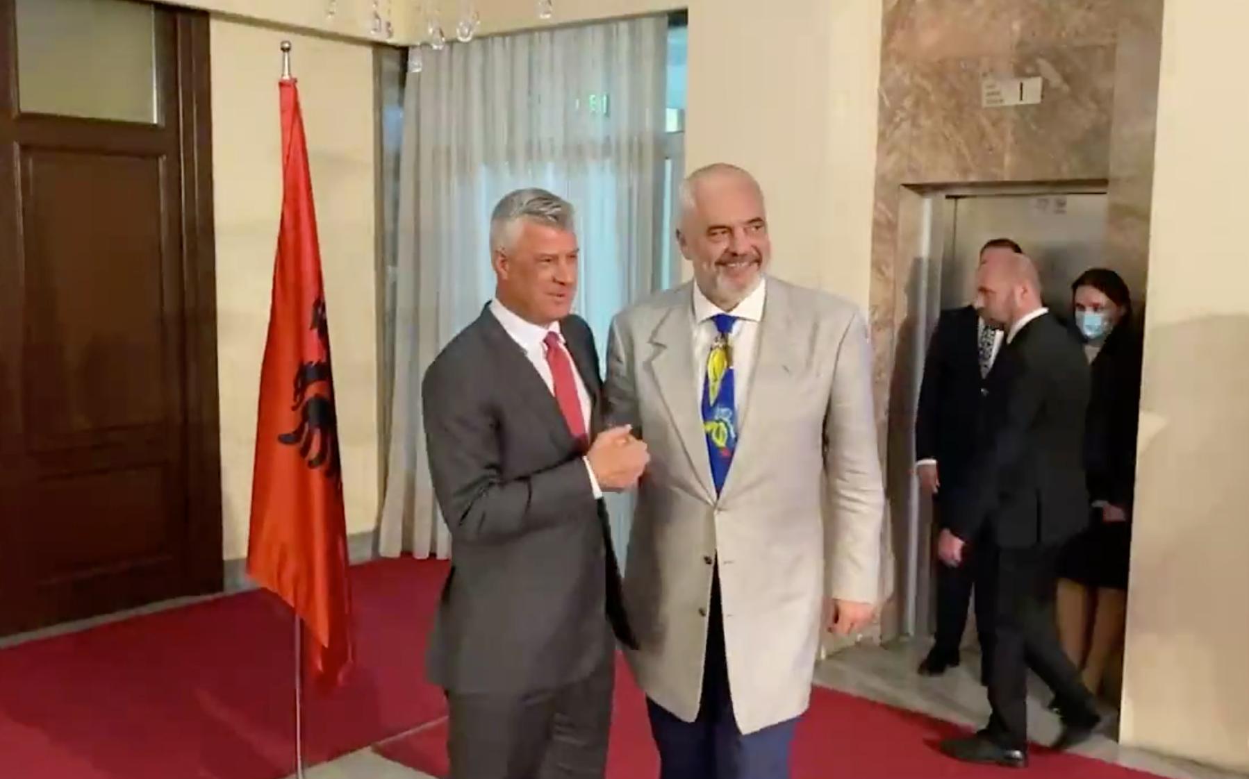 Arnavutluk Başbakanı Rama, Kosova'da temaslarda bulundu