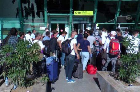 Arnavutluk ve Karadağ'daki Türk vatandaşları yurda dönüyor