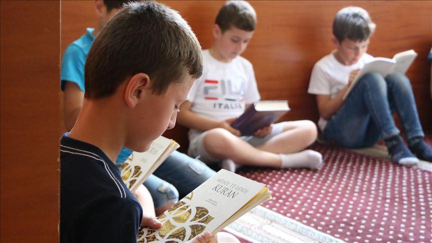 Türkiye Diyanet İşleri Başkanlığının yayınları Arnavutluk'ta tanıtıldı