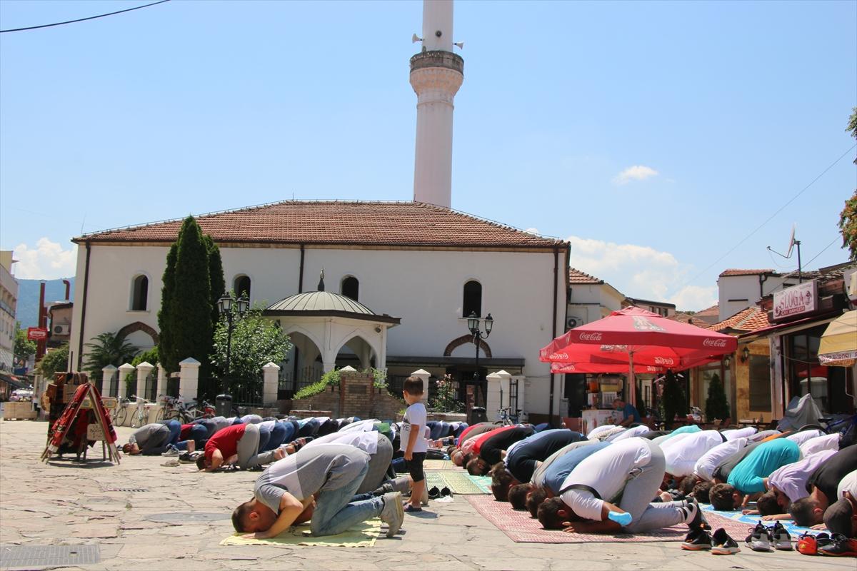 Kuzey Makedonya'da Ayasofya-i Kebir Cami-i Şerifi için şükür secdesi yapıldı
