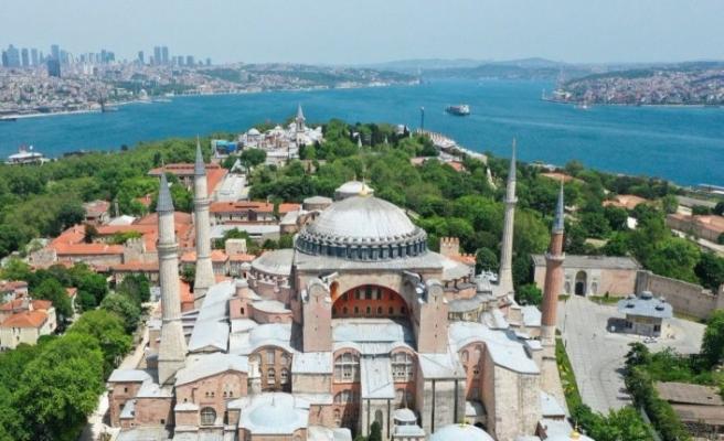 Arnavutluk'taki STK'lardan, Ayasofya'nın yeniden camiye dönüştürülmesine destek