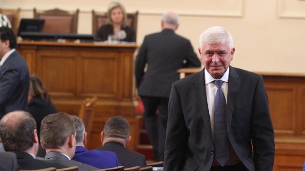 Bulgaristan Sağlık Bakanı Ananiev: COVID-19'a karşı bazı önlemleri geri getirebiliriz