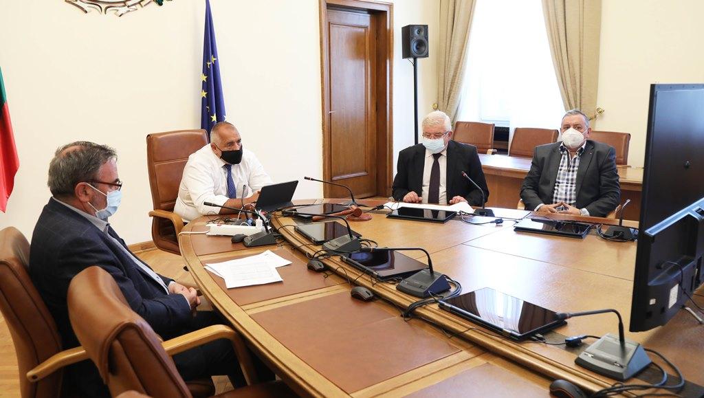 Bulgaristan'da koronavirüse karşı bazı önlemler geri getirildi