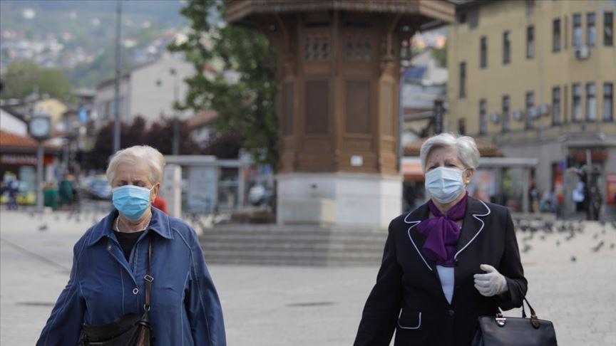Balkan ülkelerinde Kovid-19 vakalarının artmasıyla bazı tedbirler geri getirildi