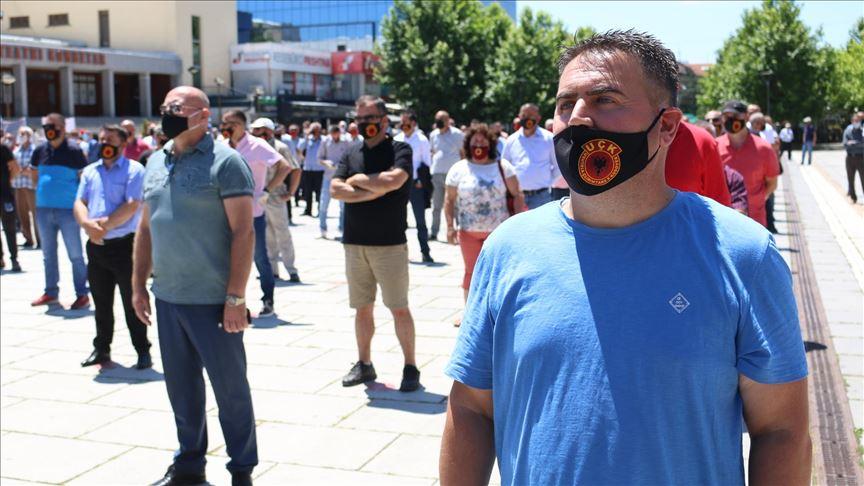 Kosova'daki Savaş Gazileri Derneğinden Kosova Özel Mahkemesi protestosu