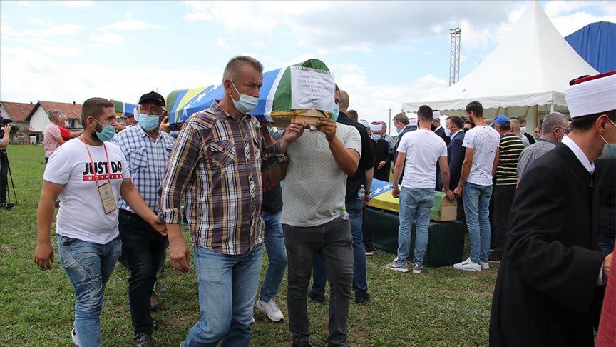 Bosna Hersek'teki savaşın 6 kurbanı daha toprağa verildi