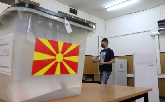 DSK: Oyların % 93'i sayıldı; milletvekili sayıları yarın açıklanacak