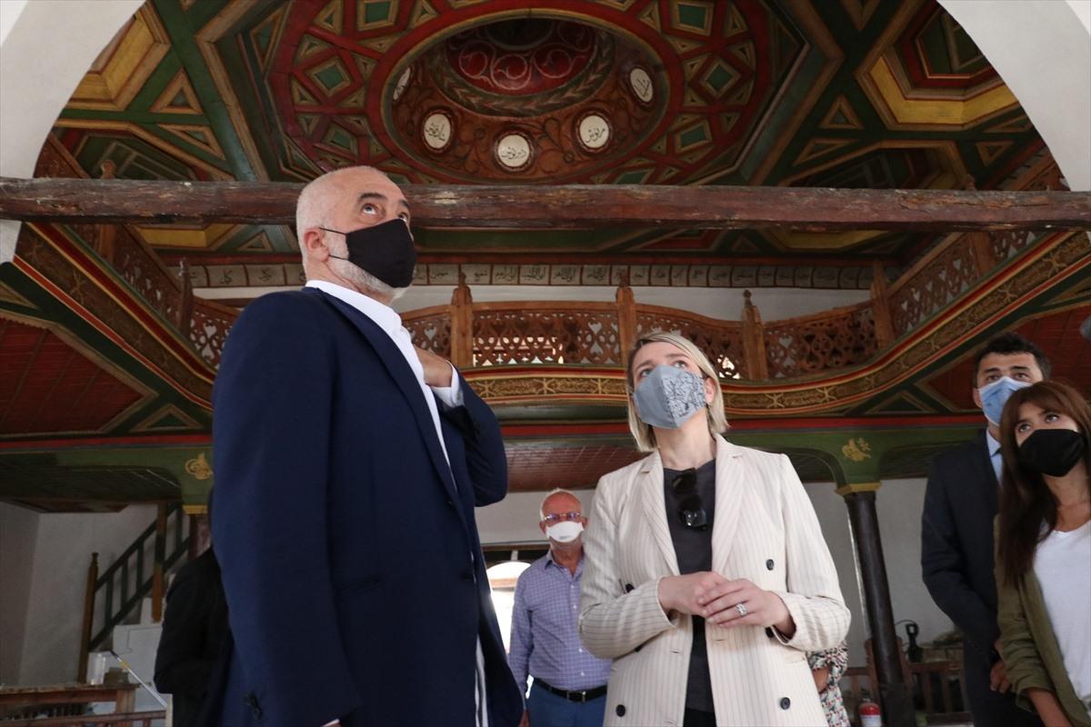 Arnavutluk Başbakanı Rama, TİKA'nın restore ettiği Osmanlı eserlerini ziyaret etti