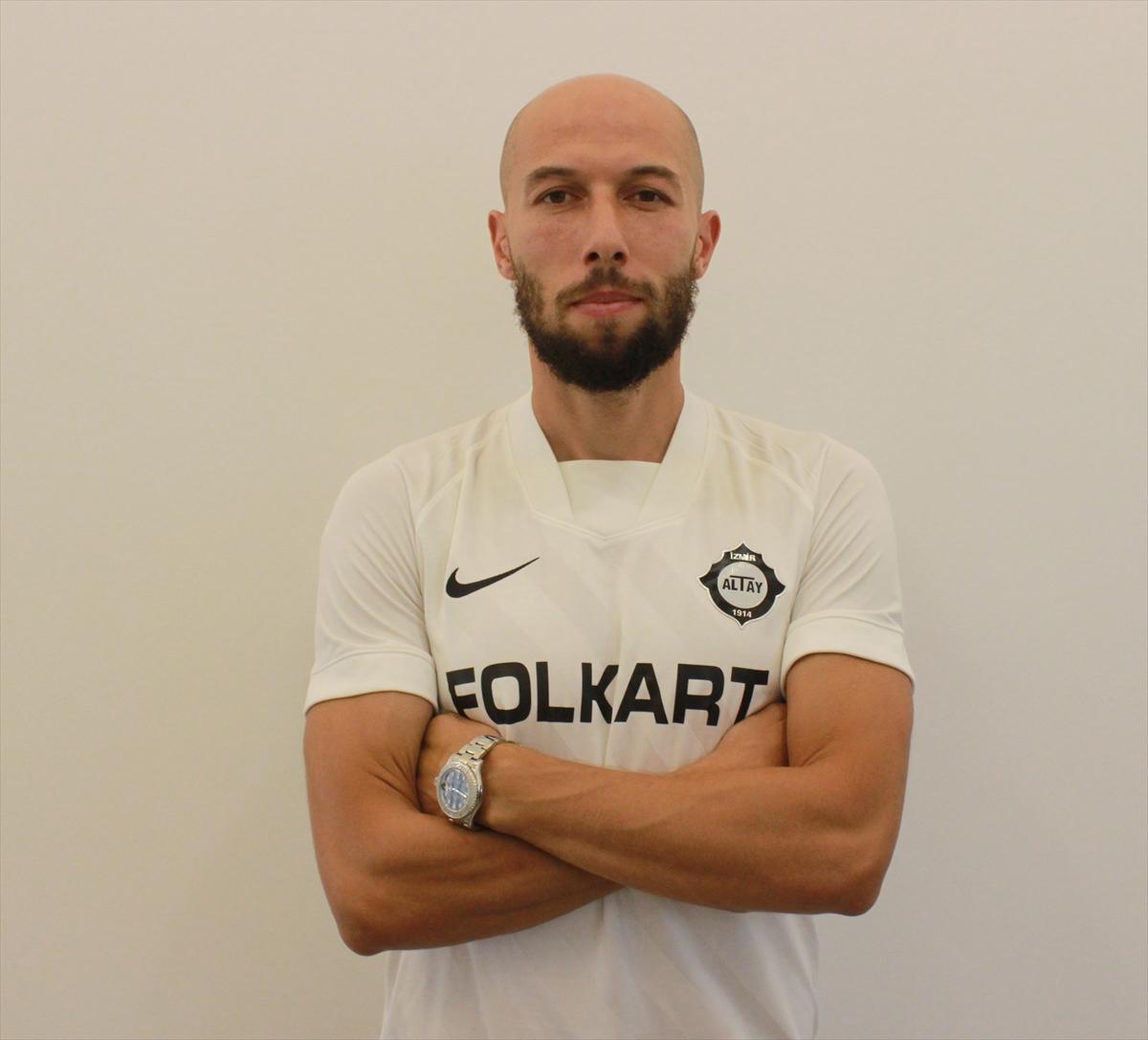 Boşnak stoper Altay'a transfer oldu