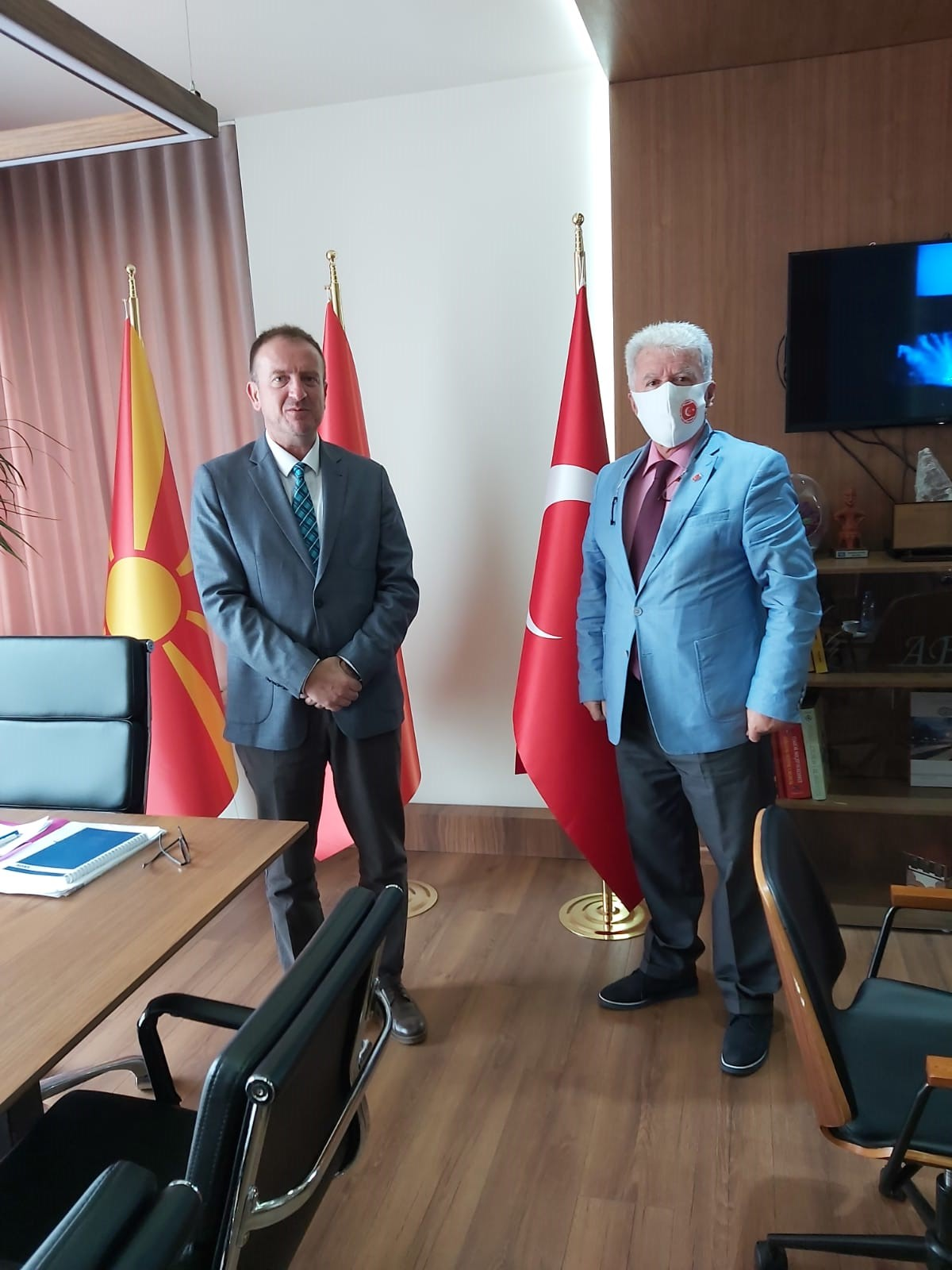 TMBH Genel Başkanı Saraç, Gostivar Belediye Başkanı Taravari ile görüştü