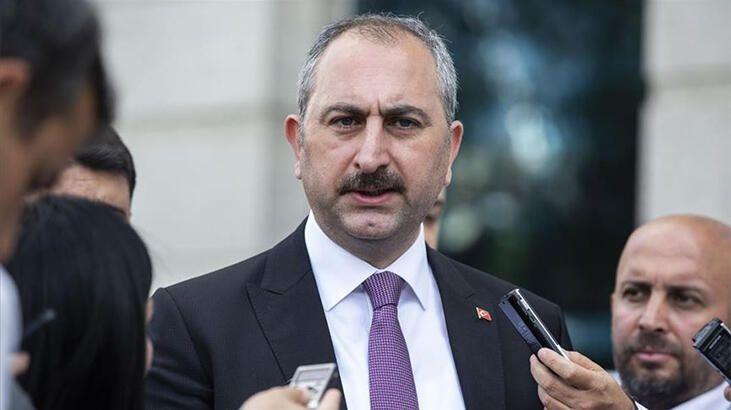 Bakan Gül'den Yunan gazetesinin manşetine tepki