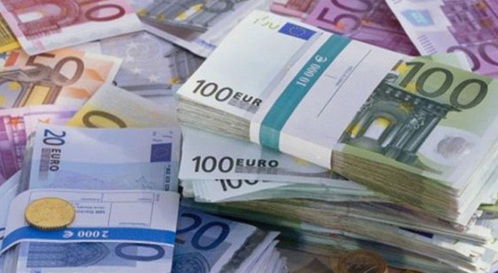 AB'den Yunanistan'a 2,7 milyar euroluk mali destek