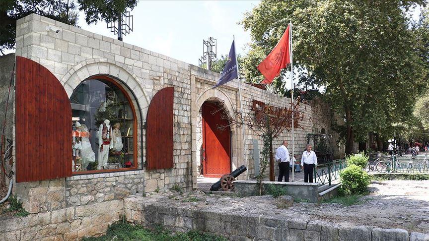 Tarihi, geleneği ve modernliği birleştiren turizm merkezi: Tiran Kalesi