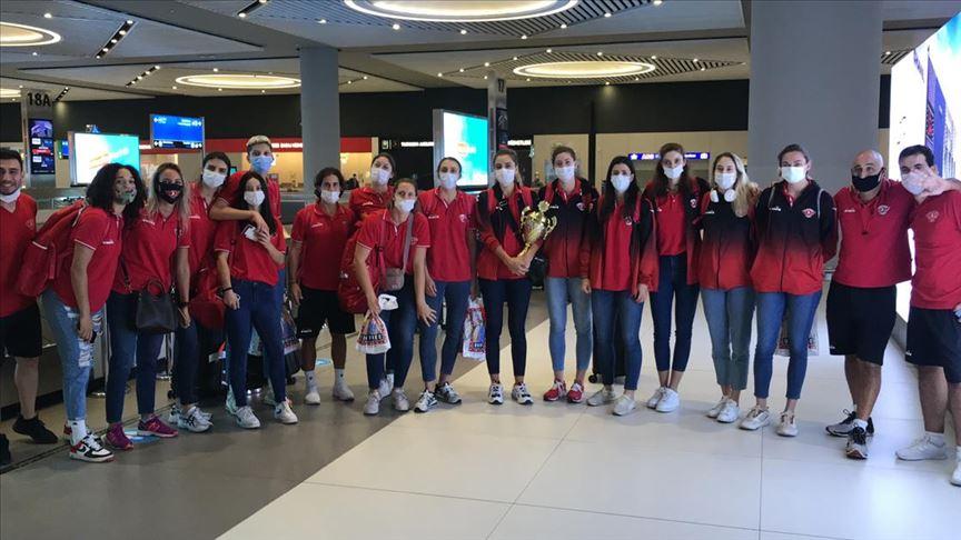 Balkan şampiyonu Türk Hava Yolları Kadın Voleybol Takımı yurda döndü