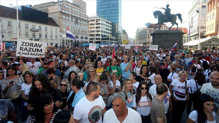 Hırvatistan'da Kovid-19 önlemlerine karşı 'Özgürlük Festivali' düzenlendi