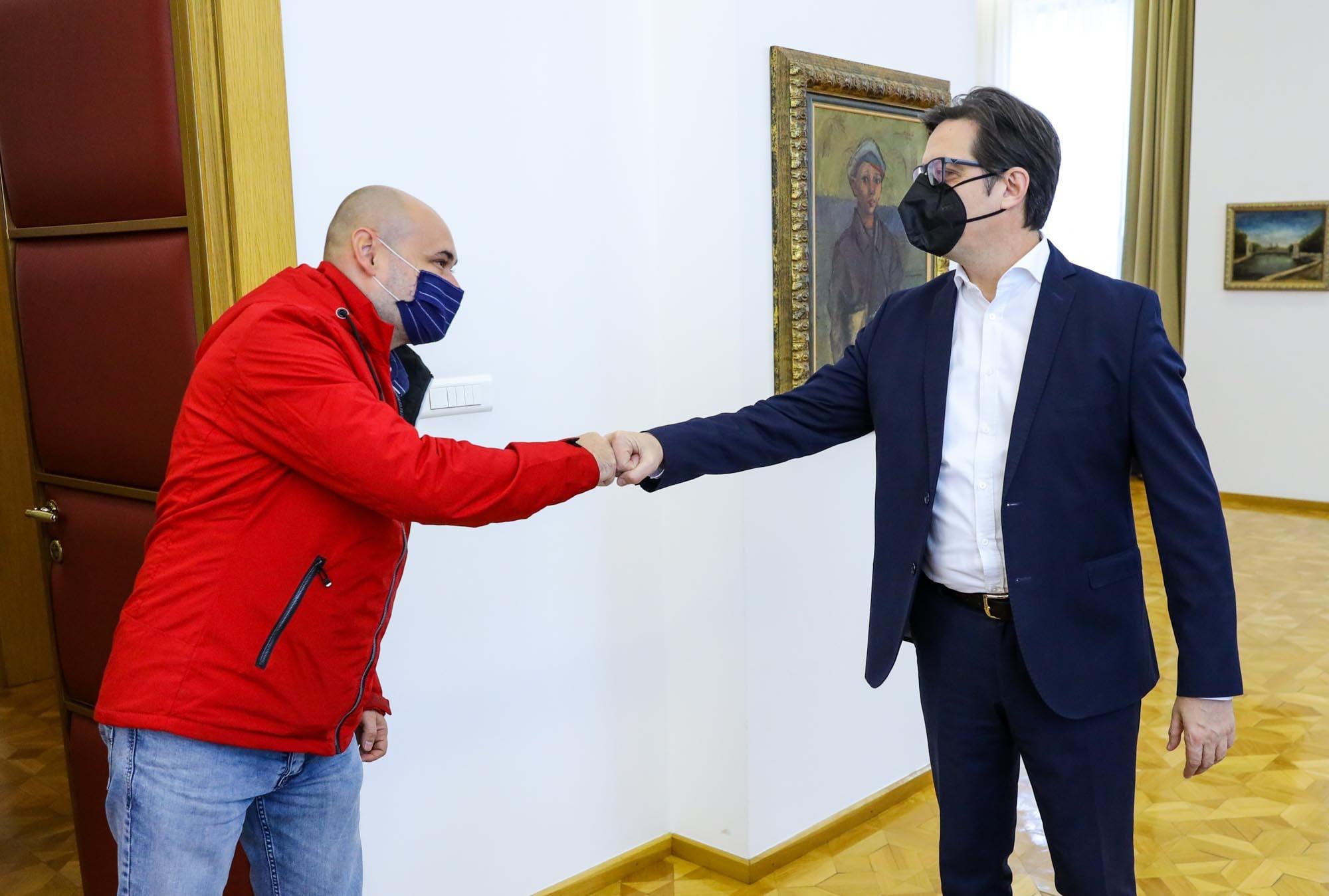 Cumhurbaşkanı Pendarovski, Üsküplü Türk hayırsever Fevzi'yi kabul etti