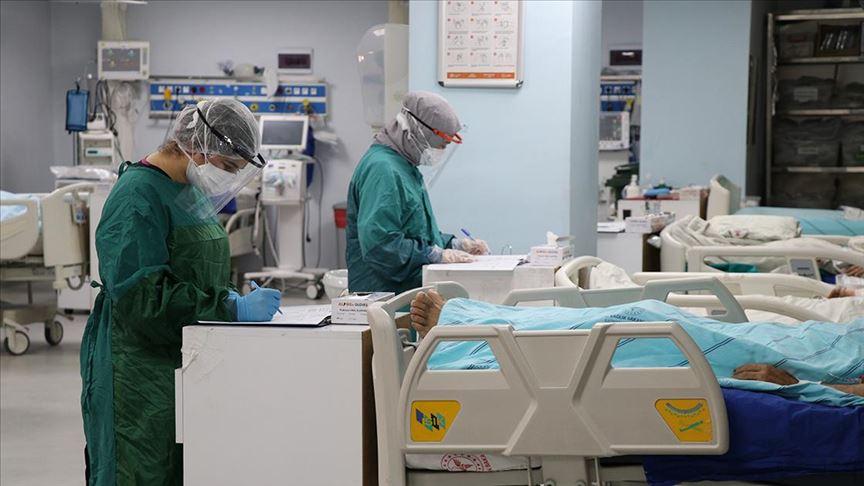 Ülke genelindeki Bulaşıcı Hastalıklar Kliniklerinde 736 hasta tedavi ediliyor