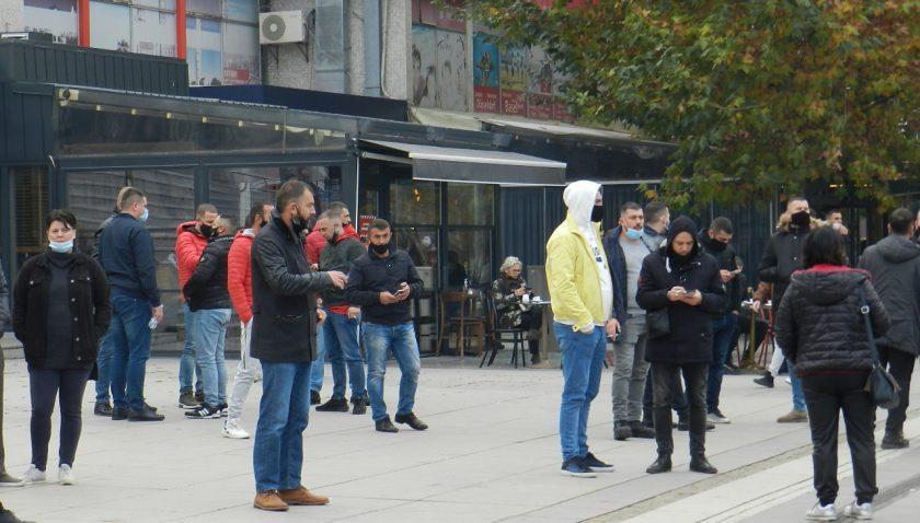 Kosova'da yeni Kovid-19 tedbirleri protesto edildi