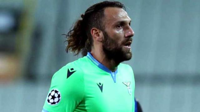 Kosovalı futbolcu Muriç, Zenit maçında sakatlandı