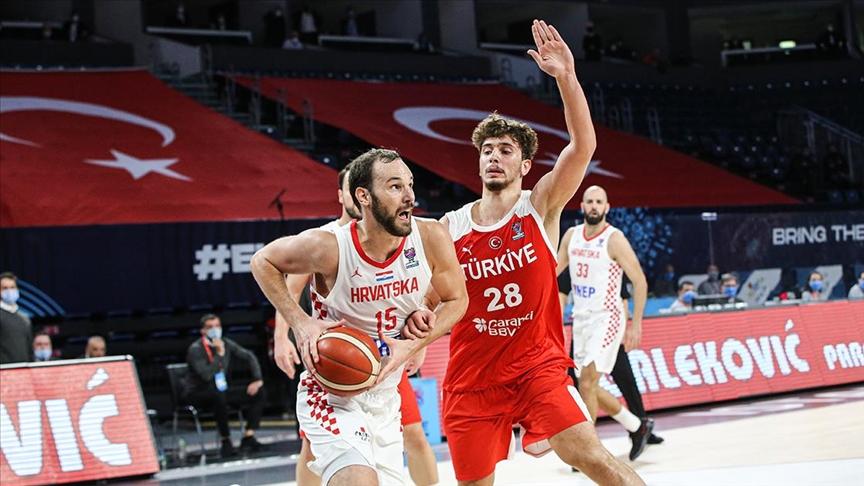Türkiye A Milli Erkek Basketbol Takımı Hırvatistan'a 79-62 yenildi
