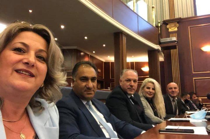 Kosova'da 6+ Parlamento Grubu, Nisma ve AKR ile birleşti