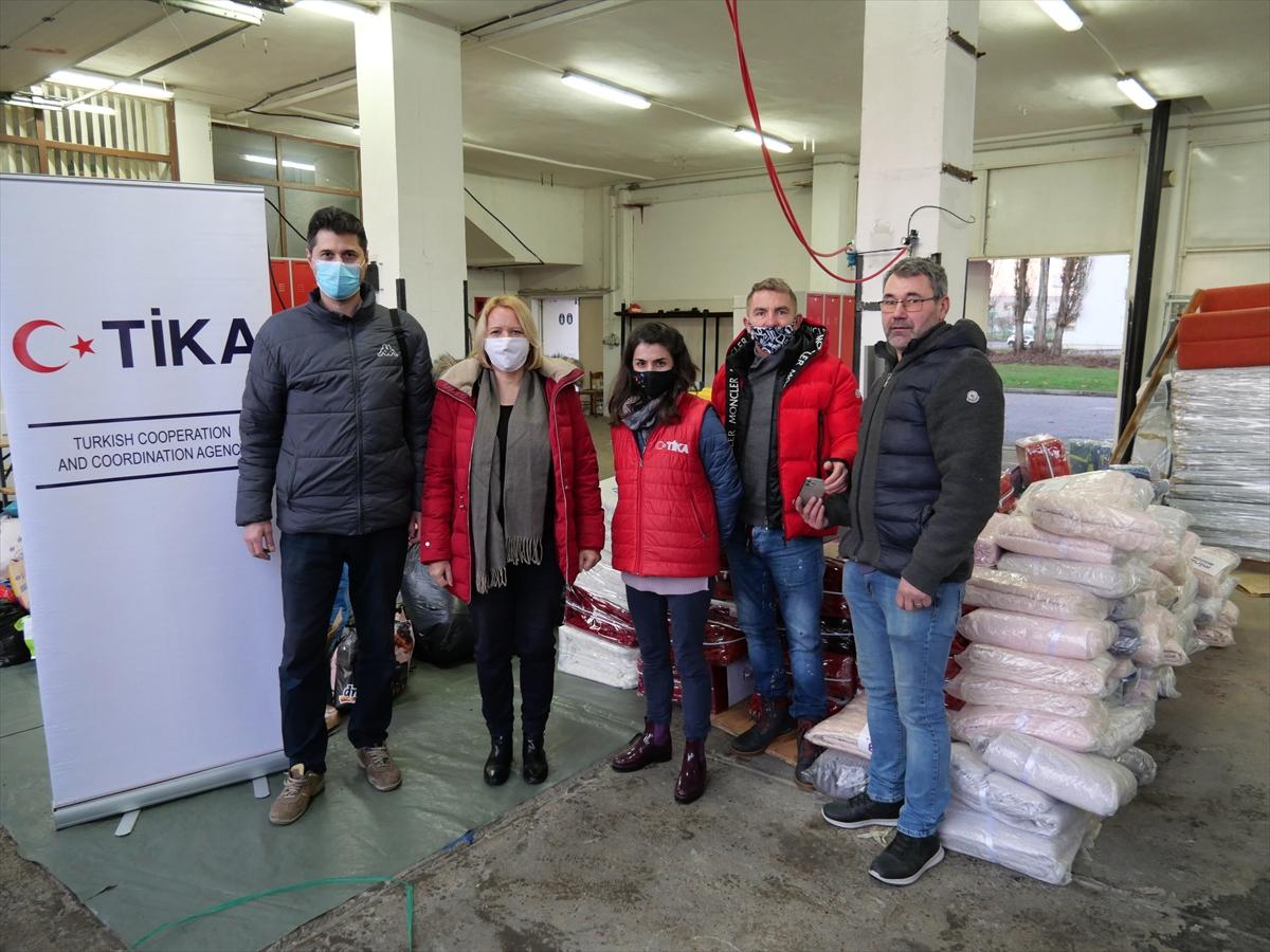 TİKA, Hırvatistan'da depremin vurduğu Petrinja ve Sisak'a battaniye yardımında bulundu