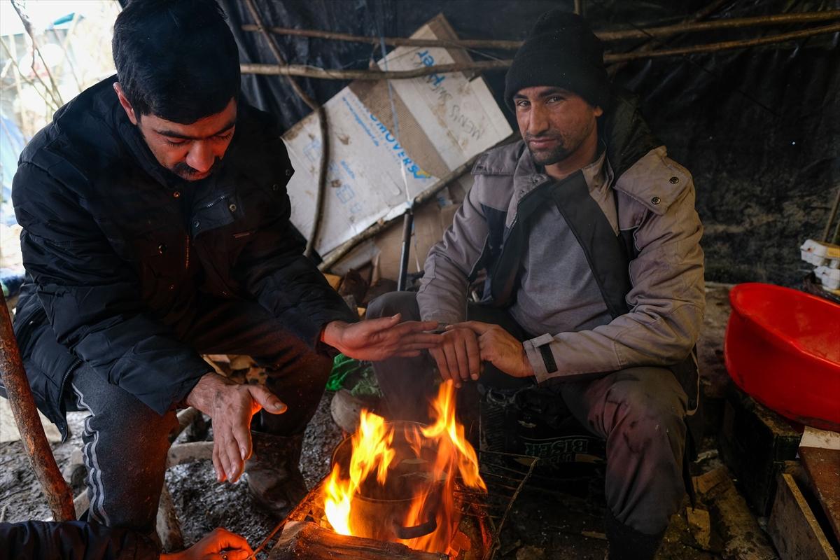 Bosna Hersek'teki göçmenlerin dondurucu soğukta yaşam mücadelesi devam ediyor