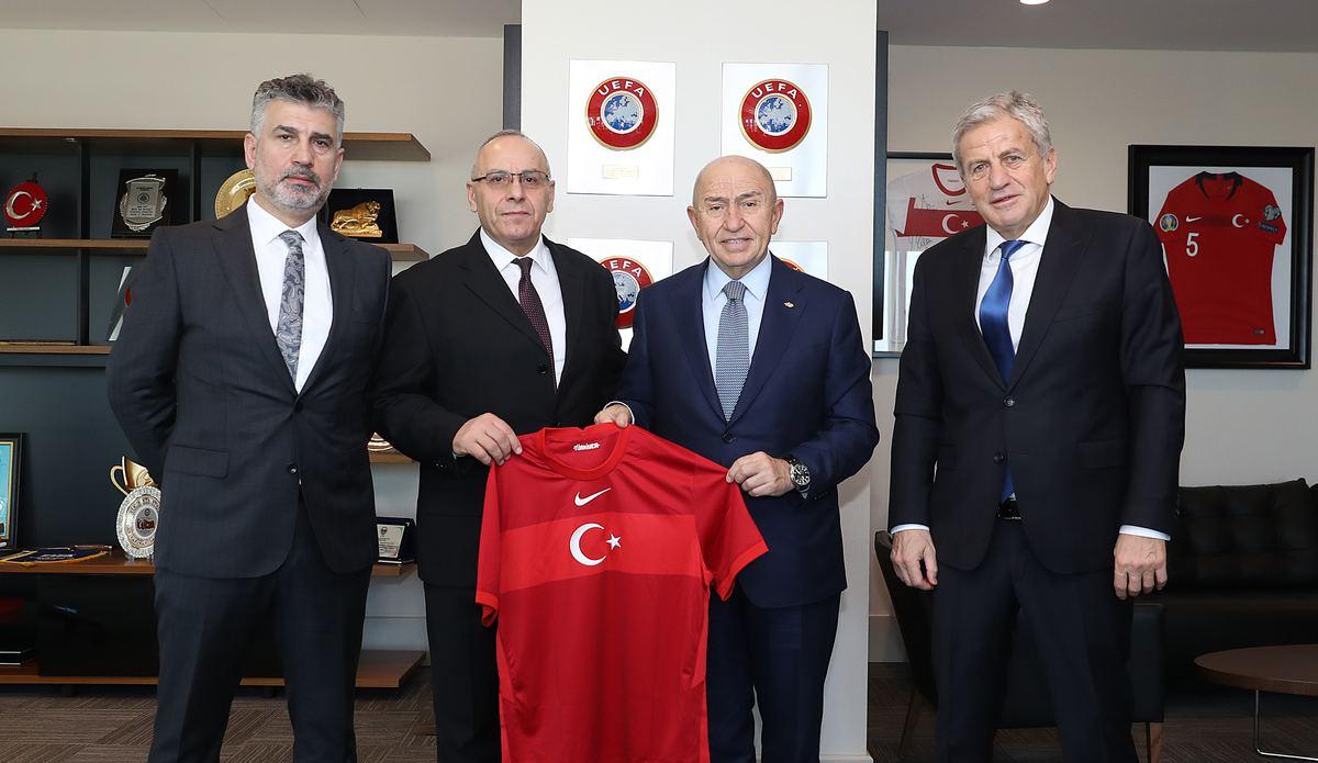 Kosova Futbol Federasyonu Başkanı Agim Ademi'den Nihat Özdemir'e ziyaret