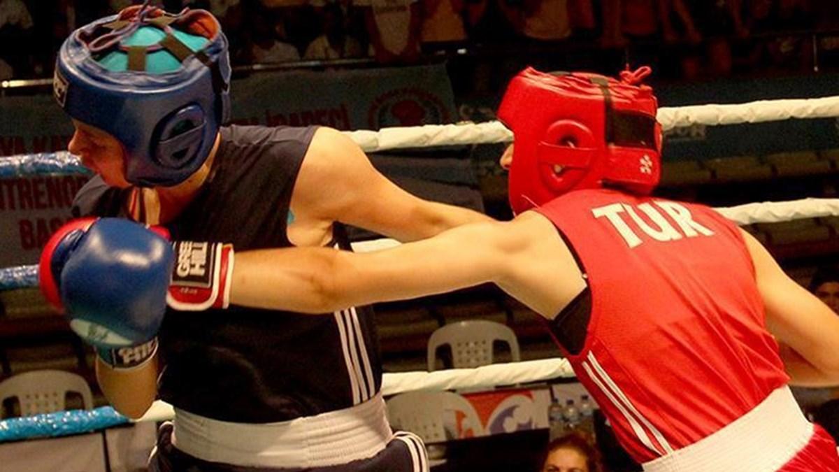 Türk kadın milli boksörler Sırbistan'da 5 madalya kazandı