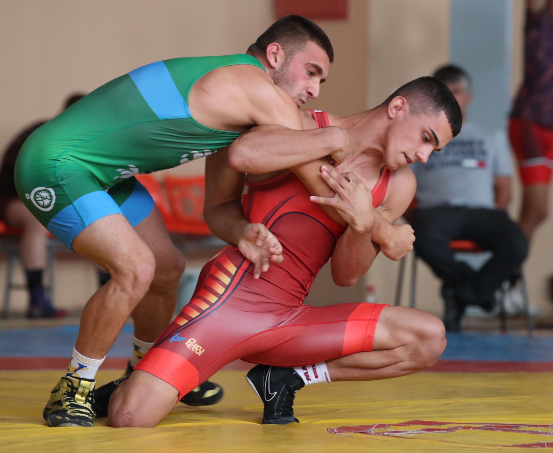 Genç güreşçi Ruhan Rasim Bulgaristan şampiyonu oldu