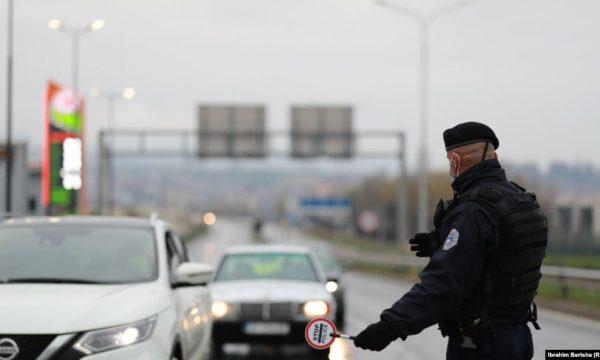 Kosova'da sokağa çıkma yasağının kaldırılması bekleniyor