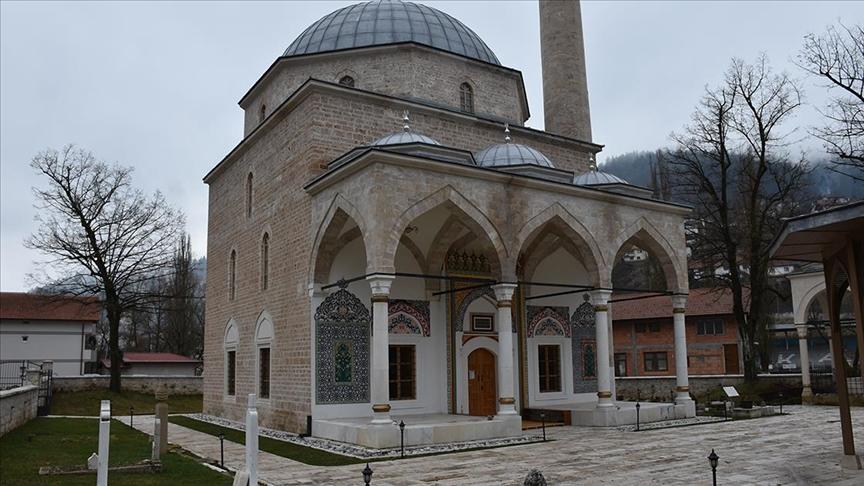 Bosna Hersek'teki tarihi Alaca Cami'nin minaresinde 'silahlı saldırı' kaynaklı hasar tespit edildi