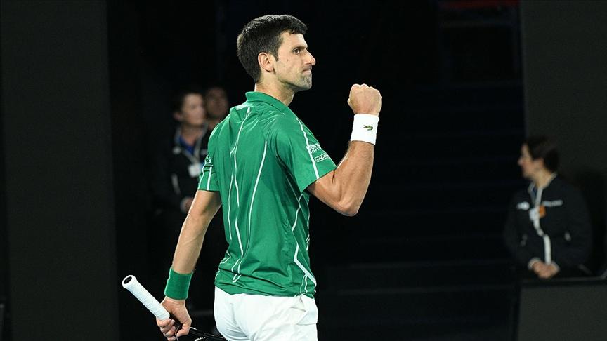 Sırp tenisçi Djokovic zirvede en uzun süre kalma rekorunda Federer'i yakaladı