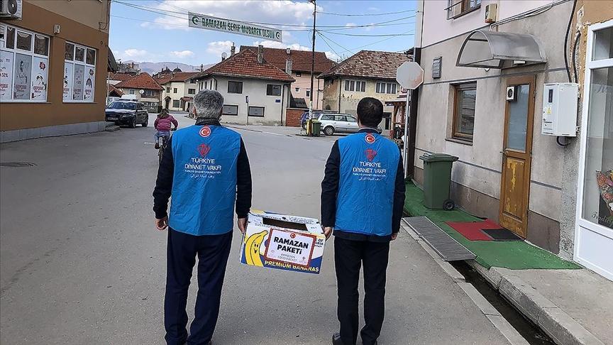 Türkiye Diyanet Vakfı, Bosna Hersek'te ihtiyaç sahiplerine gıda yardımı yaptı