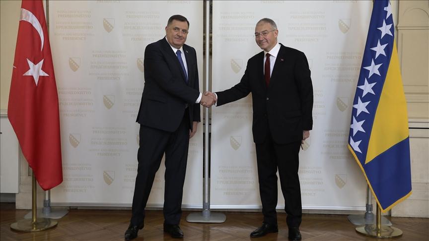 Türkiye'nin yeni Saraybosna Büyükelçisi Girgin güven mektubunu sundu