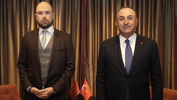 Türkiye Dışişleri Bakanı Çavuşoğlu, Karadağlı mevkidaşı Raduloviç ile telefonda görüştü