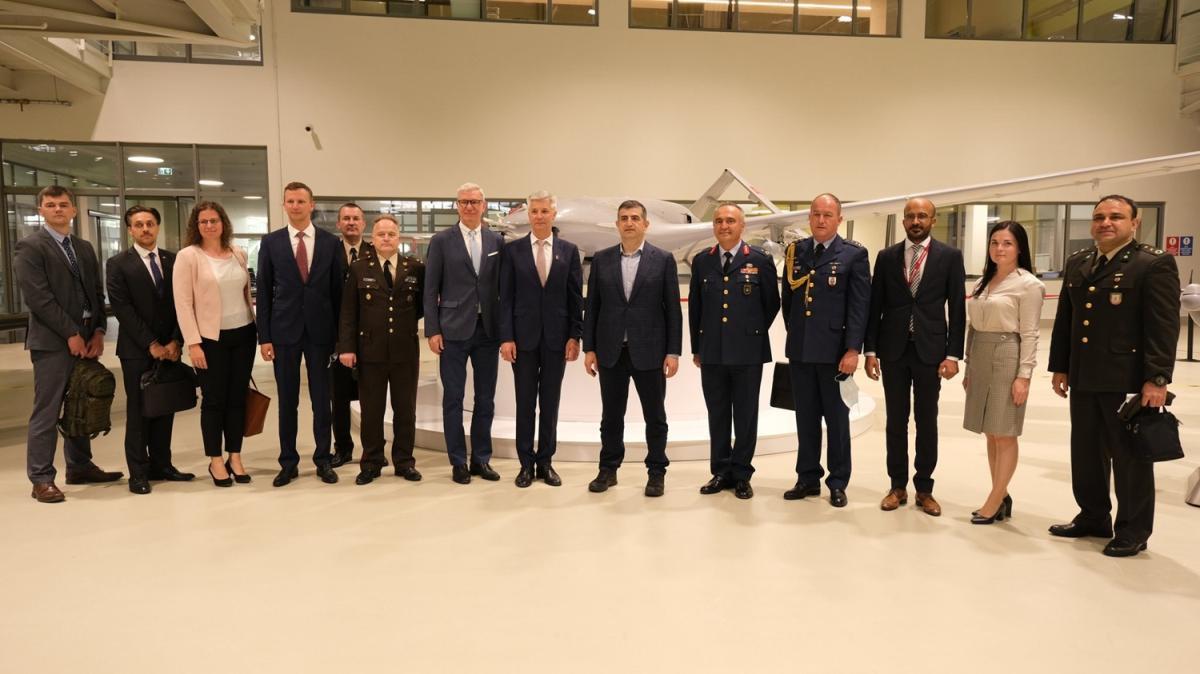 Arnavutluk İçişleri Bakanı, BAYKAR'ı ziyaret etti