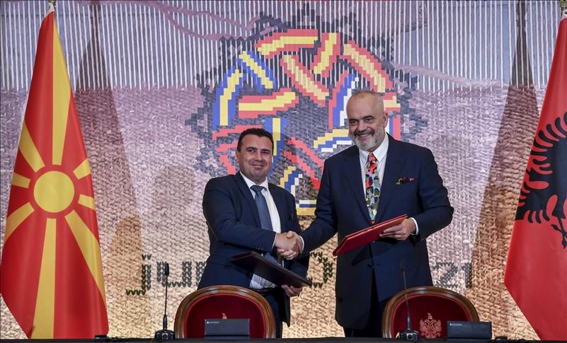 Arnavutluk ve K. Makedonya arasında ortak sınır ve gümrük kontrolü anlaşması imzalandı