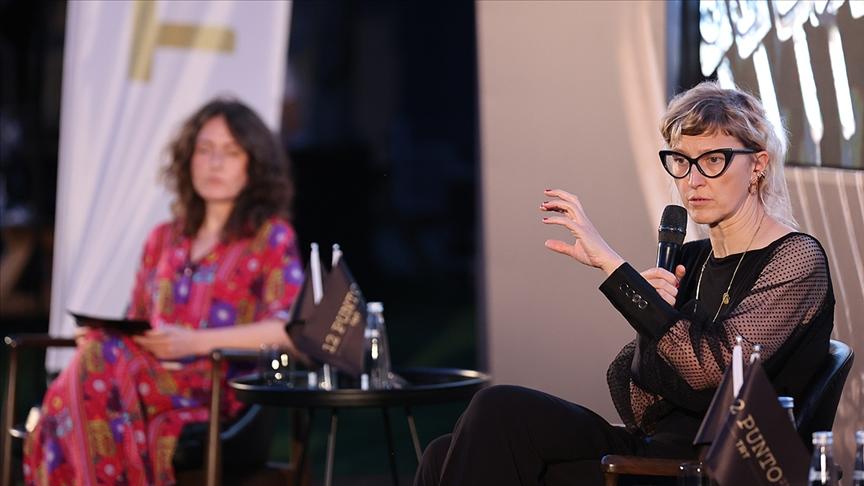 Bosna yapımı film 'Quo Vadis Aida?'nın ödüllü yönetmeni İstanbul'da programlara katıldı